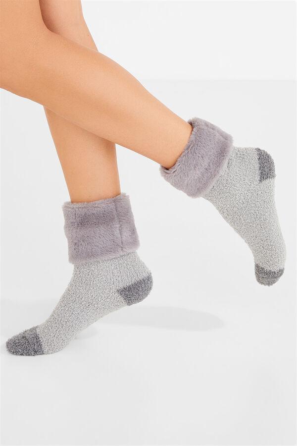 661bd7bdc41 Womensecret Calcetines fluffy pelo para botín gris