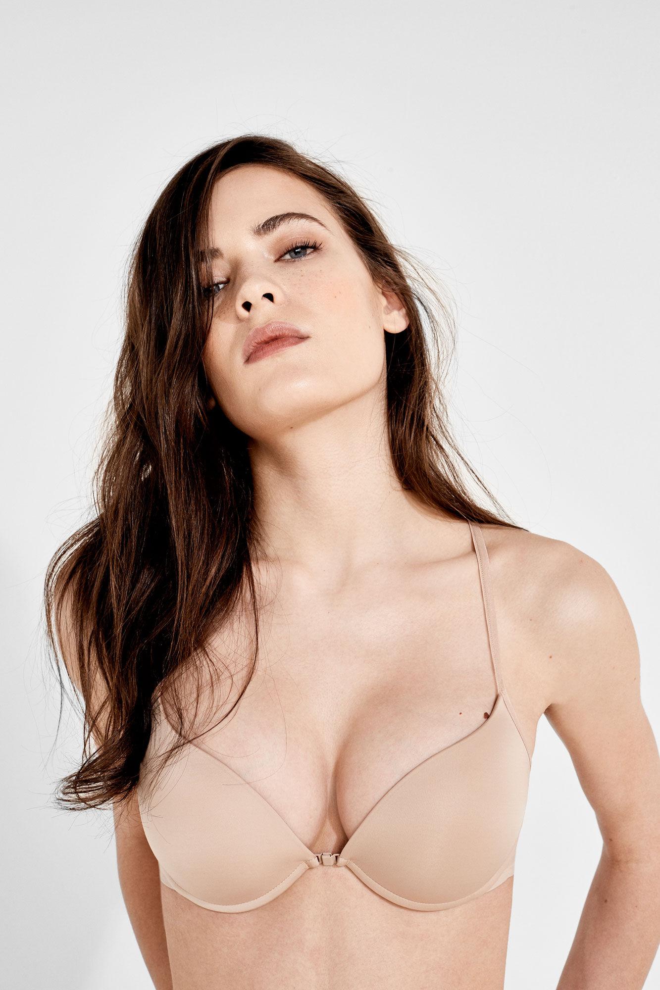 Pamela sucking tits