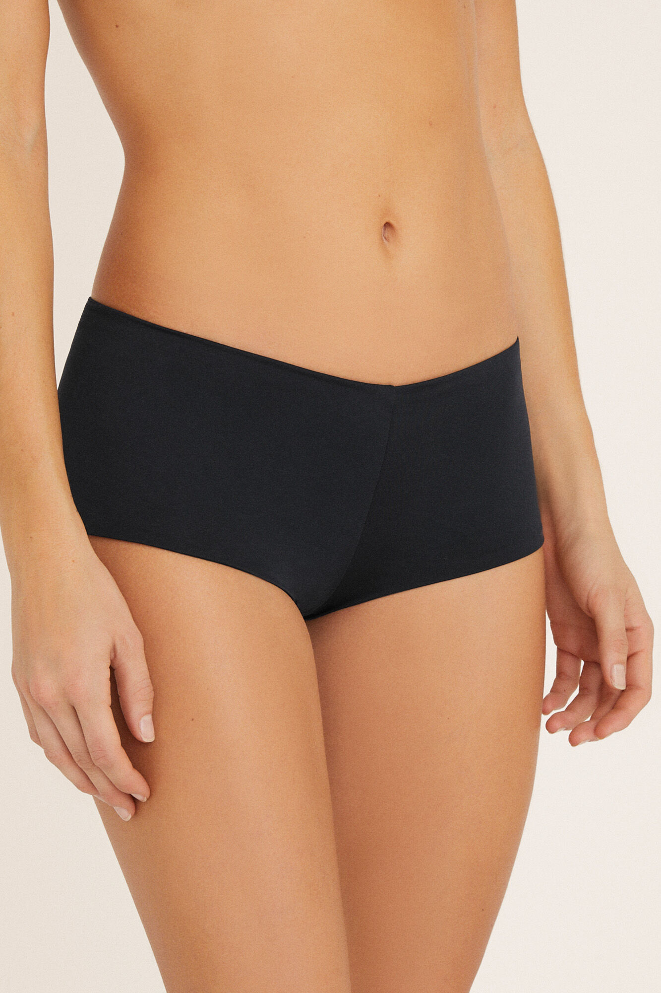 4c544e891667 Braguita bikini culotte negra