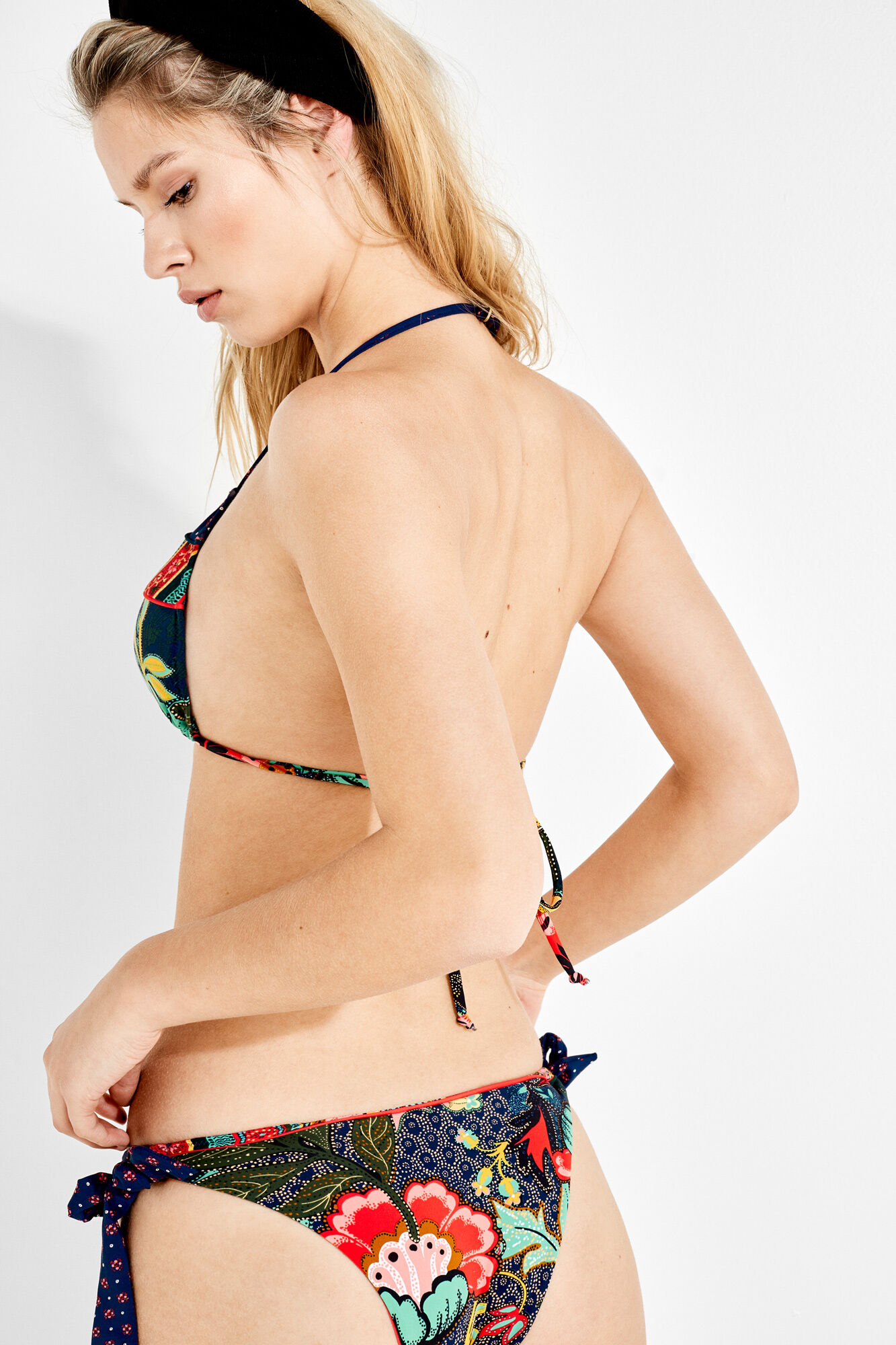 ac7e277de494 Top de bikini estampado con copa de quita y pon