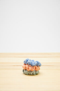 Womensecret 3-pack multicoloured scrunchies white