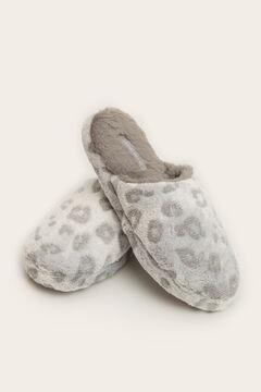 Womensecret Zapatilla casa destalonada animal print  gris
