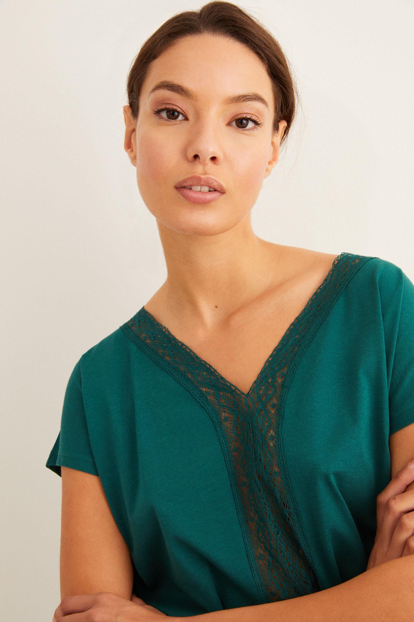 Camiseta detalle encaje | Camisetas | Women'secret